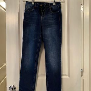 d. Jeans. Skinny ankle length medium wash Sz 8.